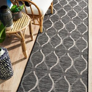 Black Casual Rug